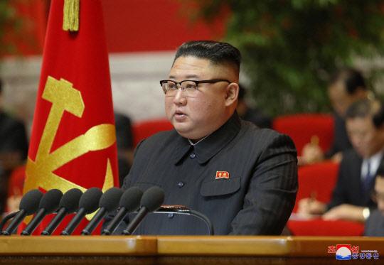 """김정은 """"핵억제력 강화해 군사력 키워야"""""""